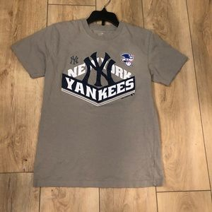 Boys NY Yankees t-shirt